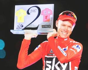 """….""""Chris Froome"""" วัย 32 ปี กำลังลุ้นสุดตัวไพราะอาจจะมีสิทธิ์โดนสอยเหมือนกัน เป็นเจ้าของแชมป์ """"Tour de France"""" 4 สมัยในปี 2013, 2015, 2016 และ 2017 นอกจากนี้ยังเพิ่งผงาดแชมป์ Vuelta a Espana 2017 ในปีนี้ด้วย กำลังส่อเค้าจะเจอแบน 12 เดือน หลังไม่ผ่านตรวจใช้สารต้องห้าม นักปั่นจักรยานชื่อดังจากสหราชอาณาจักร ส่อแววได้รับโทษแบนนานถึง12 เดือน พร้อมถูกริบแชมป์รายการ..Vuelta a Espana 2017...หลังไม่ผ่านผลการตรวจสารต้องห้ามในร่างกาย โดยจากผลการตรวจเมื่อวันที่ 7 ก.ย. ที่ผ่านมา """"Chris Froome"""" ถูกพบว่าใช้ตัวยารักษาโรคหอบหืด (anti - asthma drug salbutamol) มากเกินกำหนด ซึ่งระดับที่อนุญาตให้ใช้นั้นอยู่ที่ 1,000 นาโนกรัม/มิลลิลิตร แต่ผลการตรวจของน่องเหล็กรายนี้กลับมากกว่านั้นถึง 2 เท่า ก็ต้องรอผลการตัดสินจากคณะกรรมการตรวจสอบอีกครั้ง ในขณะเดียวกันทีมทนายและทีมนักวิทยาศาตร์ของทีมสกาย (Team Sky) ต้นสังกัดของ """"Chris Froome"""" ก็กำลังเดินหน้าเพื่อโต้แย้งผลทดสอบดังกล่าว โดยถ้าผลตัดสินพบว่า """"Chris Froome"""" ผิดจริงคาดว่าจะต้องโดนแบนเป็นเวลา 12 เดือน"""