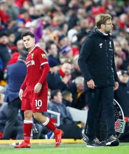 "…..""Philippe Coutinho"" หลังจากที่ย้ายจาก Inter Milan มาร่วมทีม..Liverpool..หงส์แดง...ผ่านมาเกือบจะ 6 ปีแล้ว เป็นตัวหลักของทีมชุดใหญ่ โดยซัดประตูให้กับ..หงส์แดง Liverpool...ไปทั้งหมด 54ประตู ตลอดระยะเวลา 6 ปี กำลังจะย้ายไปร่วมทีม ""เจ้าบุญทุ่ม"" Barcelona ...ด้วยค่าตัว 142 ล้านปอนด์การย้ายทีมครั้งนี้อาจจะทำทีมหงส์แดง Liverpool และแฟนคลับ..หงส์แดง..ชาวไทยที่ชื่นชอบฝีเท้าของนักเตะรายนี้ ต้องระทมกันทั่วหน้า"