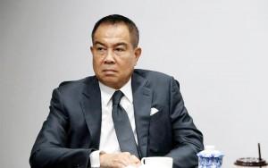 """ท่านนายพลหน้าดุแต่ใจดี """"บิ๊กอ๊อด"""" พล.ต.อ.สมยศ พุ่มพันธุ์ม่วง นายกสมาคมกีฬาฟุตบอลแห่งประเทศไทย แสดงความยินดีกับ 3 นักเตะทีมชาติไทย ด้วยการจัดงานเลี้ยงส่งให้กับ เจ """"ชนาธิป สรงกระสินธ์"""", มุ้ย """"ธีรศิลป์ แดงดา"""", อุ้ม """"ธีราทร บุญมาทัน"""" พร้อมกับครอบครัว ที่ร้าน..Shinsen Fish Market..เพชรบุรีตัดใหม่ ซอย 28/1 ทะลุสุขุมวิท 39 เมื่อวันอาทิตย์ที่ 7 ม.ค.2561 ที่ผ่านมา เพื่อเป็นเกียรติและกำลังใจให้กับพวกเขาทั้ง 3 คน ก่อนที่จะเดินทางไปเล่นในลีกอาชีพญี่ปุ่น"""